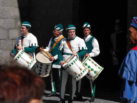 Drummers for the Elm neighborhood